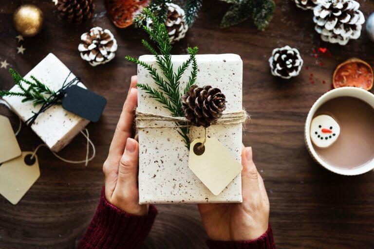 Imballaggio aziendale per Natale – come aumentare la visibilità del marchio?